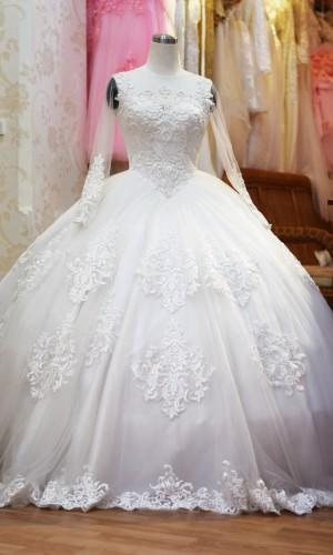 áo cưới công chúa tùng xòe